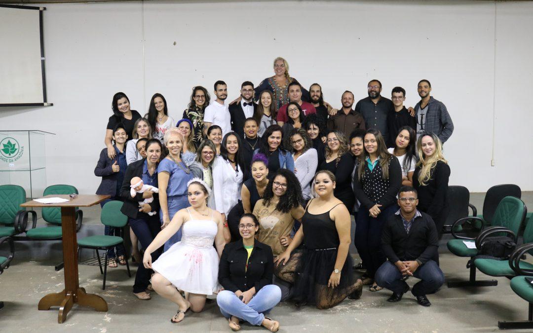 Estudantes de Psicologia da FAMA realizam apresentações inspiradas em filmes