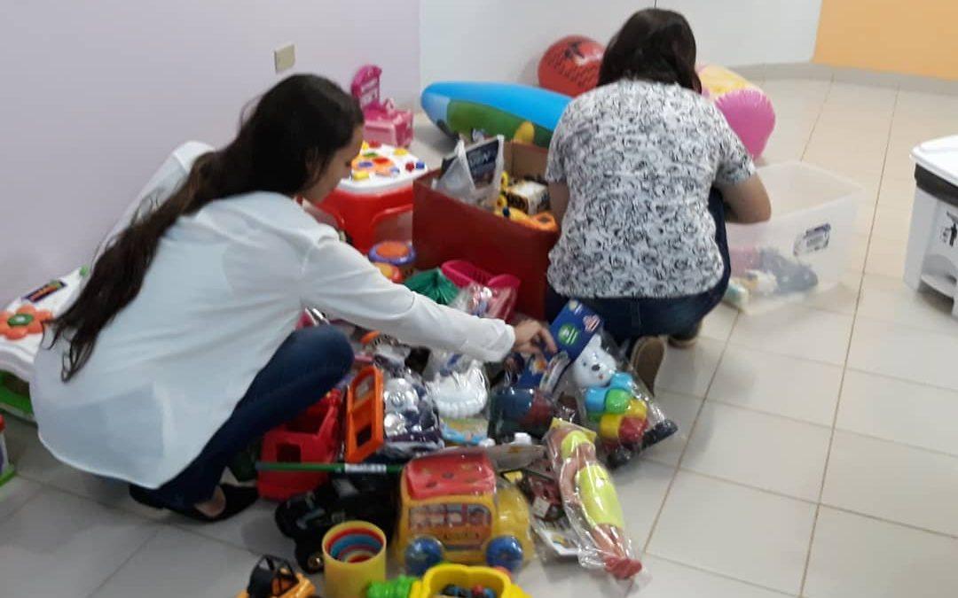 Campanha idealizada por grupo da FAMA arrecada brinquedos para a Brinquedoteca do HR de Vilhena