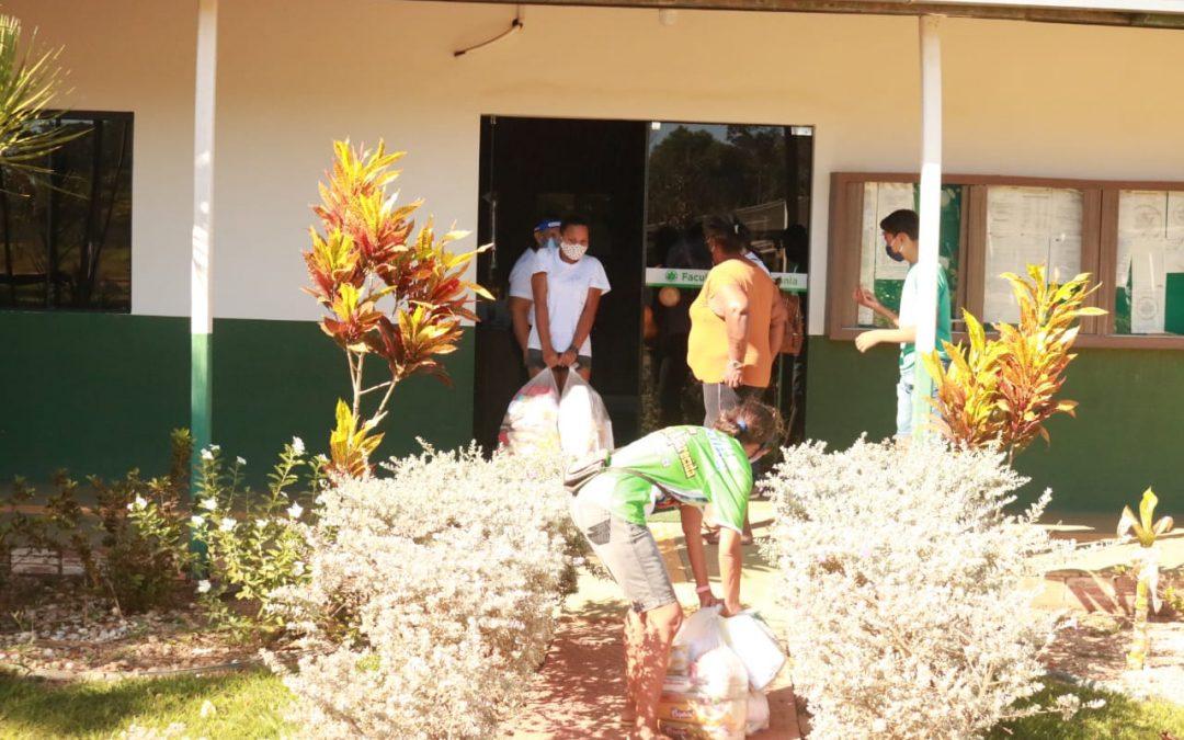 Distribuição de cestas básicas – FAMA distribuiu 130 unidades no dia 18-7-2020